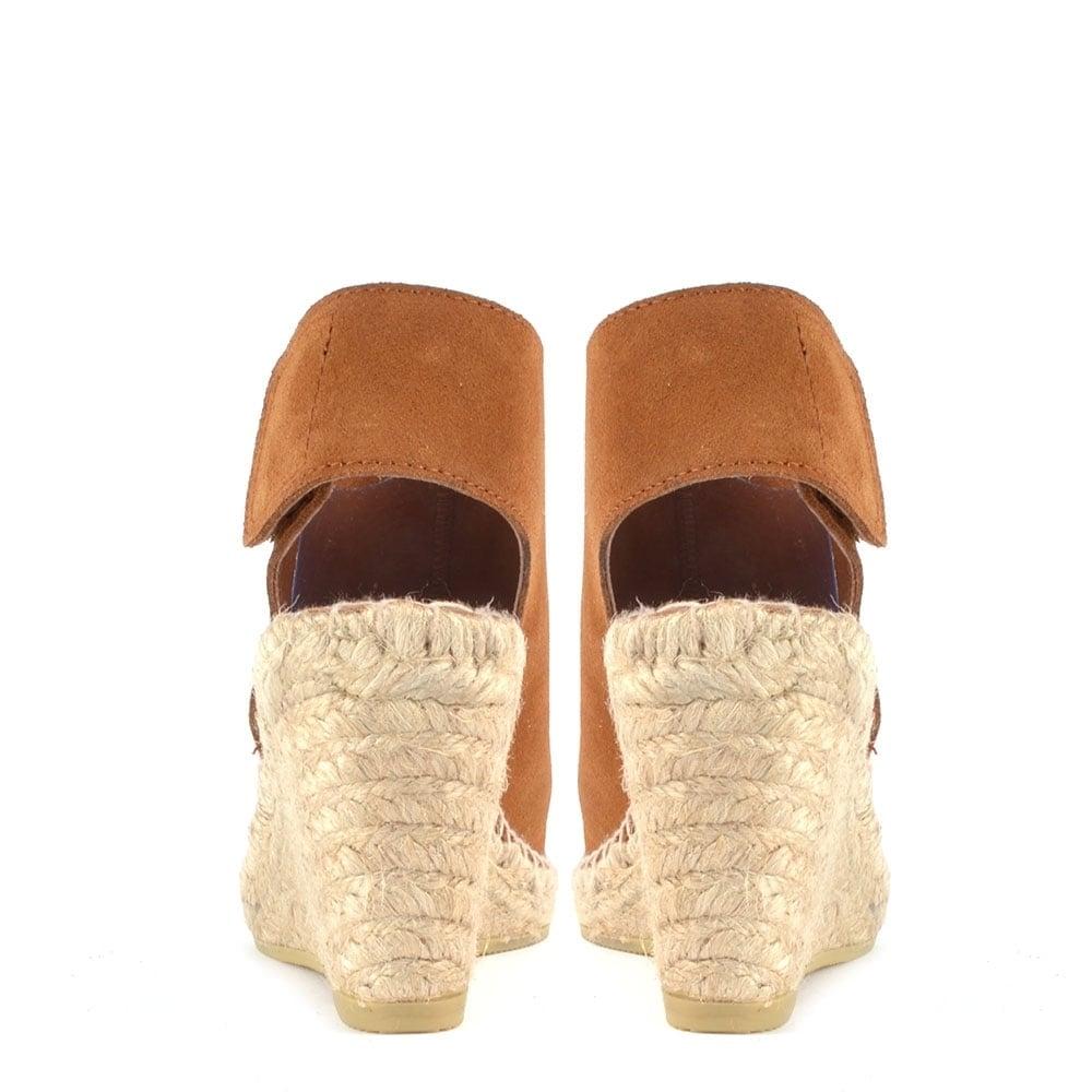 b070b160926 Quai Brown Suede Wedge Sandal